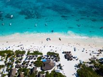 Вид с воздуха пляжа в Tulum Мексике Стоковые Изображения