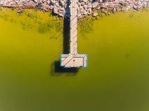 Вид с воздуха пляжа океана Взгляд пляжа и пристани песка сверху Воздушная съемка пляжа Стоковая Фотография RF