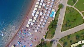Вид с воздуха пляжа Черногории, Budva Ривьеры, Radenovici 4 сток-видео