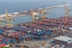 Вид с воздуха порта груза Барселоны промышленный стоковое фото