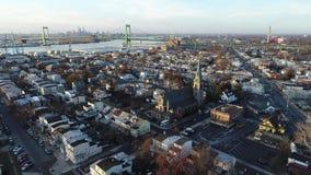 Вид с воздуха портового города Глостера Нью-Джерси берега реки Делавера