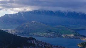 Вид с воздуха промежутка времени Queenstown в южном острове, Новой Зеландии сток-видео