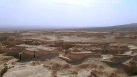 Вид с воздуха пустыни Judean расположенный на западном береге реки ИордаРвидеоматериал