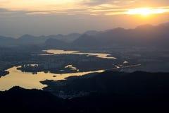 Вид с воздуха Рио-де-Жанейро показывая индустрии горы лагуны стоковое изображение rf