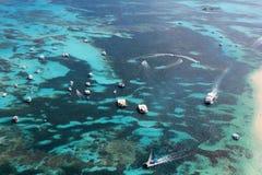Вид с воздуха рифа в океане Стоковое Изображение RF