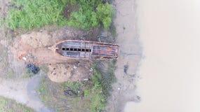 Вид с воздуха сломленного деревянного корабля стоковая фотография rf