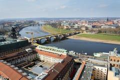 Вид с воздуха собора Дрездена святой троицы с мостом Augustus над Эльбой в Дрездене, Германии стоковые изображения rf