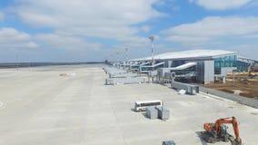 Вид с воздуха современного стержня международного аэропорта вокруг перемещая мира Пустая антенна авиапорта Взгляд  Стоковая Фотография