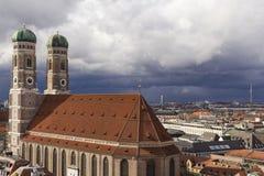 Вид с воздуха старой ратуши в Мюнхене, Баварии, Германии стоковое изображение