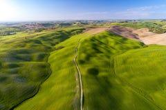Вид с воздуха Тосканы от времени трутня весной Стоковые Изображения RF