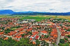 Вид с воздуха Трансильвания Румыния городка Râșnov стоковые фотографии rf