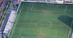 Вид с воздуха футбольного стадиона сток-видео