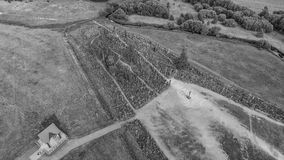 Вид с воздуха холма крестов, Литвы стоковые изображения rf