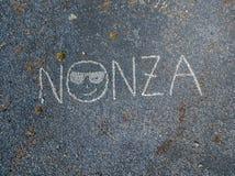 Вид с воздуха черного каменного пляжа, Nonza, геометрических дизайнов сделанных с камнями Стоковые Фото