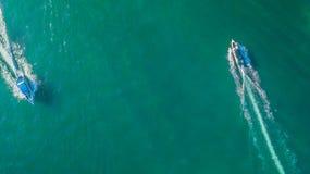 Вид с воздуха шлюпки скорости в море Стоковое Изображение