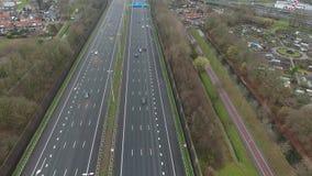 Вид с воздуха A16 шоссе, Zwijndrecht, Нидерланд сток-видео