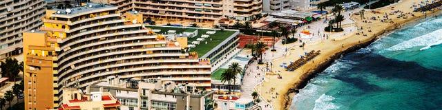 Вид с воздуха Calpe, Blanca Косты Популярный курорт лета в Испании Стоковая Фотография RF
