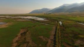 Вид с воздуха Lake County Орегона пика Warner горы Харта акции видеоматериалы