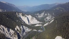 Вид с воздуха Ruinaulta, Швейцарии сток-видео