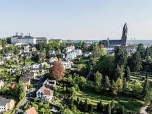 Вид с воздуха Schloss Bensberg и общественные окрестности Berglisch Gladbach Германия около кёльна Стоковые Изображения