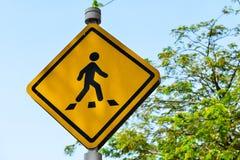 движение знака красных тесемок указателя рамки крюковины грубое деревянное Стоковые Фото