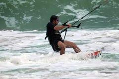 движение kitesurfer нерезкости действия Стоковые Изображения