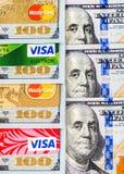 Виза и Mastercard, кредит, дебит и электронное с долларом США Стоковое фото RF