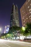 Визирование ночи здания короля, город Шэньчжэня Стоковые Фотографии RF