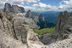Визирование от Monte Paterno через ferrata стоковое изображение rf