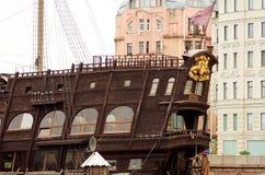 Визирования Ст Петерсбург Часть старого корабля стоковые фотографии rf