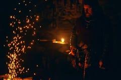 Викинг в кузнице Стоковые Фото
