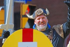 Викинг Cosplay в параде Оттаве дня ` s St. Patrick, Канаде Стоковая Фотография RF