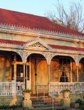 Викторианский дом в свете после полудня стоковые изображения