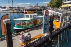 Виктория, ДО РОЖДЕСТВА ХРИСТОВА, Канада - 11-ое сентября 2017: Такси воды в Виктории Стоковые Фотографии RF