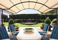 вилла типа внешнего сада самомоднейшая стоковая фотография