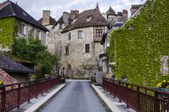 Вилла Carennac в midi Пиренеи Франции стоковое изображение