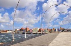 Виллемстад, Curacao - 12/17/17: Мост понтона в Виллемстад, Curacao ферзя Эммы, в Netherland Антильских островах Стоковые Фото