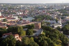 Вильнюс, Литва: воздушное взгляд сверху верхушки или замка Gediminas Стоковая Фотография RF