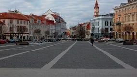 Вильнюс, Литва - 11-ое апреля 2019: Взгляд площади ратуши видеоматериал