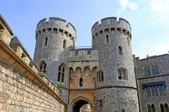 Виндзор, Великобритания - 29-ое августа 2017: Взгляд средневекового замка Виндзора замка Виндзора королевская резиденция на Виндз Стоковое Изображение