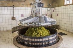 Винный пресс Hautvillers в действии Шампани Стоковое Фото
