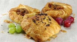 виноградины плюшек хлебопекарни сладостные Стоковая Фотография