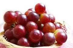 Виноградины в корзине. Стоковое фото RF