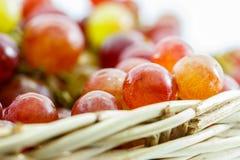 Виноградины в корзине стоковые изображения