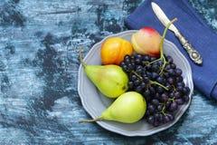 Виноградины, груши, персики - плодоовощи Стоковые Изображения