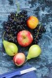 Виноградины, груши, персики Стоковые Изображения