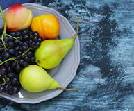 Виноградины, груши, персики Стоковые Изображения RF