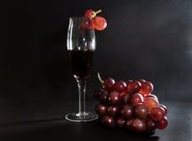 Виноградины, и вино Стоковая Фотография RF