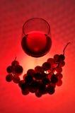 Виноградины и красное вино Стоковые Фотографии RF