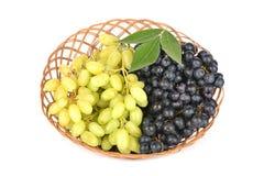виноградины пука корзины предпосылки упрощают сторновку Стоковые Фото